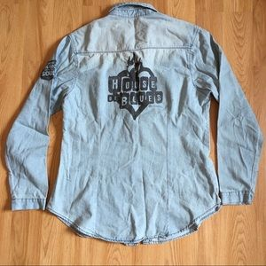 SALE✨NWOT House Of Blues Chambray Button-Up